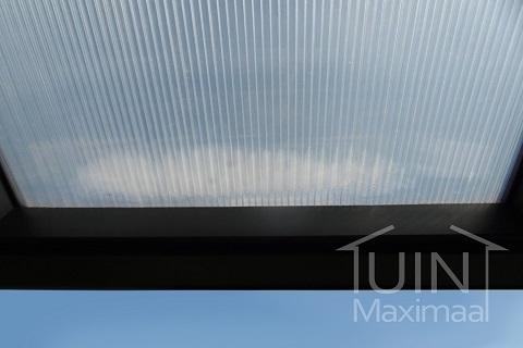 Formation de condensation dans les plaques en polycarbonate, à éviter ou pas?