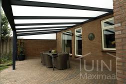 Gumax® Terrasoverkapping in mat antraciet van 6,06 x 3,5 meter met melkglas dakplaten