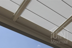Gumax® elektrische zonwering in mat creme close-up
