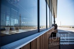 Gumax® Glazen schuifdeur in mat antraciet detailfoto van de onderrail