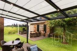 Moderne Gumax® Overkapping in mat antraciet van 5,06 x 3,5 meter met glazen dakplaten <br>inclusief Gumax zonwering en LED verlichting