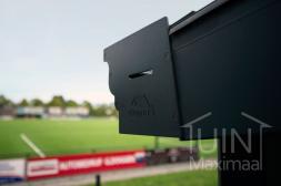Voorbeeld van een Gumax gootplaat bij een sportvereniging van Tuinmaximaal