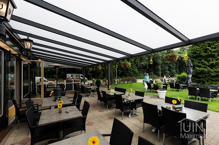 openbare terrasoverkapping met polycarbonaat dak